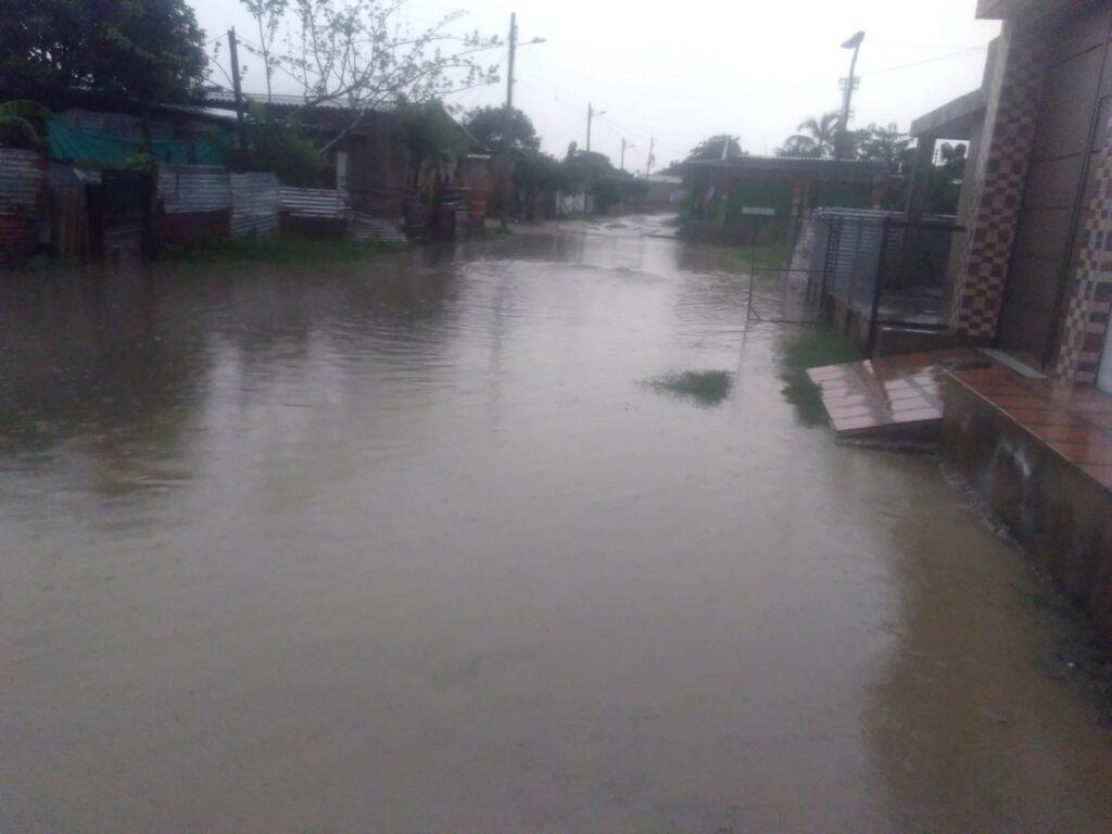 Emergencia en Maicao por aguacero: centenares de barrios inundados - Noticias de Colombia